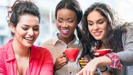 donne che pensano che il caffè fa bene